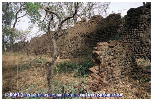 Ruins of Loropeni, Burkina Faso (© DGPC Burkina Faso)