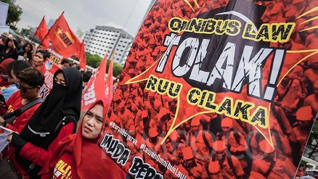 Omnibus Law Untungkan Pengusaha, Membunuh Rakyat