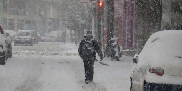 Κακοκαιρία: Υποχωρούν οι χιονοπτώσεις έρχονται καταιγίδες την Πέμπτη