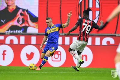 ملخص واهداف مباراة ميلان وبارما (2-2) الدوري الايطالي