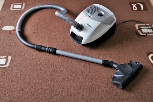 aspirapolvere-pulizie-casa-polvere