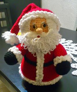 http://novedadesjenpoali.blogspot.com.es/2014/10/patron-santa-navideno-2.html