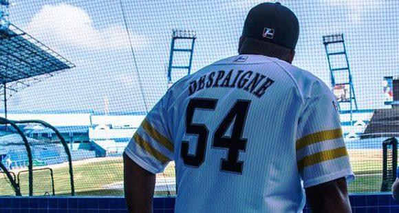 """Este contrato le garantiza al slugger granmense convertirse en el segundo cubano más longevo en la historia del béisbol japonés, luego de Roberto """"Chico"""" Barbón (11 años) y por delante de Orestes Destrade (5 años)."""