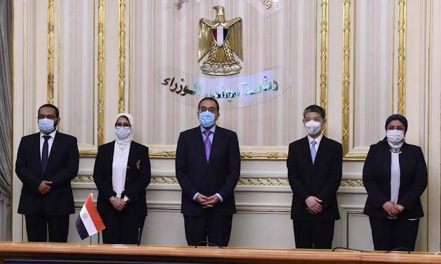 """رئيس الوزراء يشهد توقيع اتفاقيتين لتصنيع لقاح """"سينوفاك"""" الصيني في مصر"""