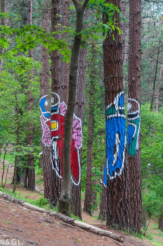 Los motoristas del bosque de Oma de Ibarrola
