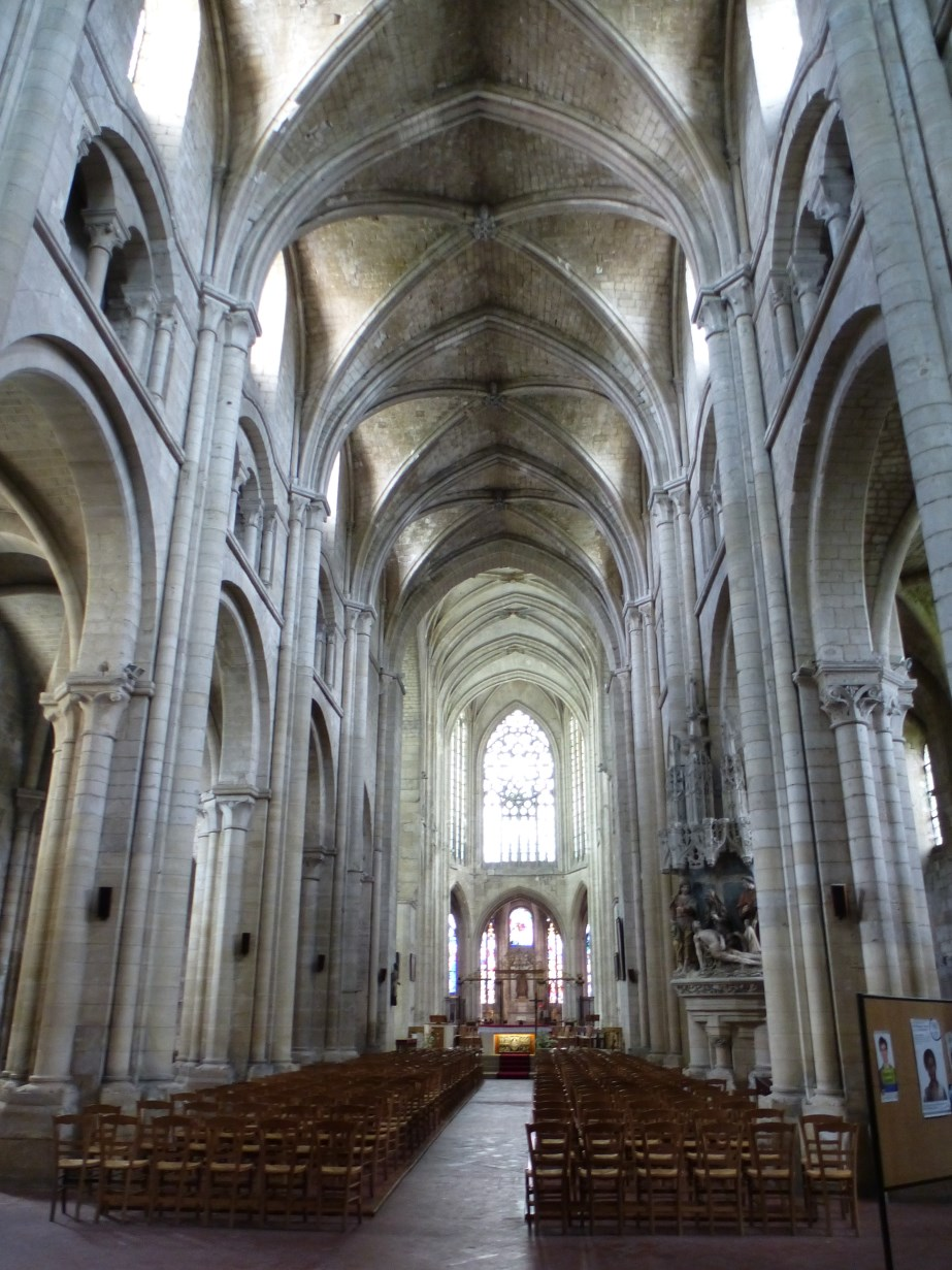 the road goes ever on beauvais church of saint etienne. Black Bedroom Furniture Sets. Home Design Ideas