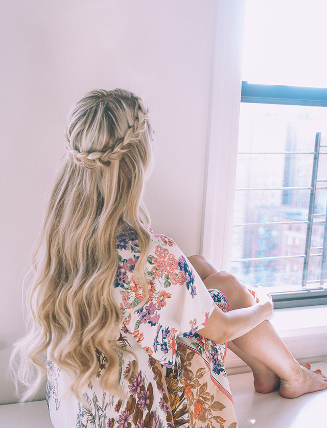 Ten easy and gorgeous hair braid tutorials.  How to create a half-up halo braid.