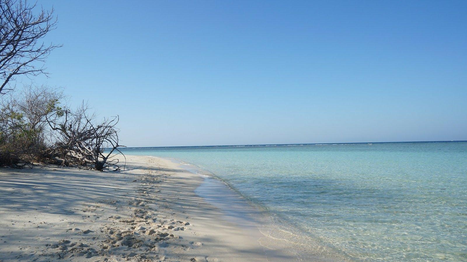 Pantai Gili Labak Nuansa Keindahan Timur Madura