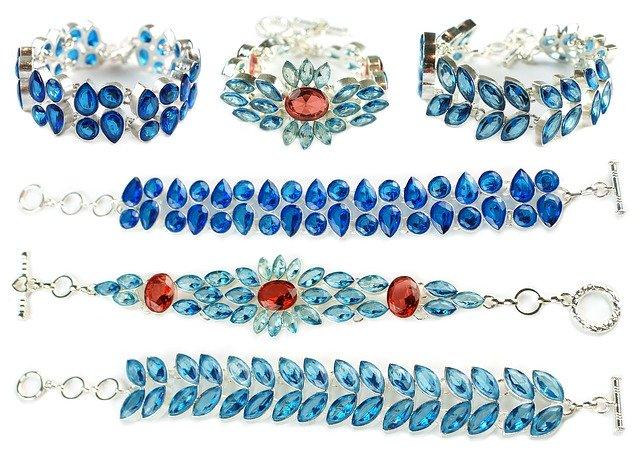 Charm Bracelets That Are Suitable For All | shop sites