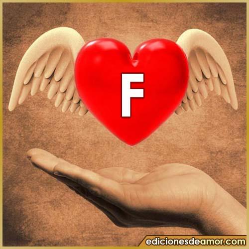 corazón con alas con letra F