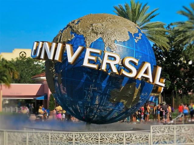 The landmark with the shape Universal Studios icon