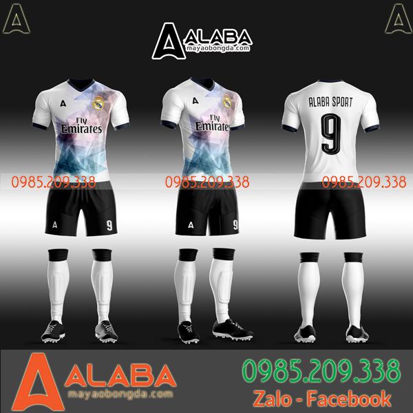 Áo câu lạc bộ Real Madrid tự thiết kế độc đáo