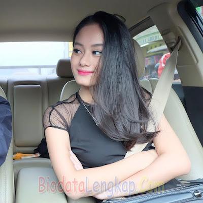 Dinda Hauw, artis cantik, artis cantik indonesia, cewek tercantik