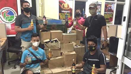 Polres Dharmasraya Amankan Ratusan Botol Miras