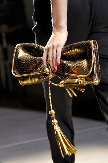 Desejo dia - Clutch Gucci gold  bolsa mala metalizado dourada