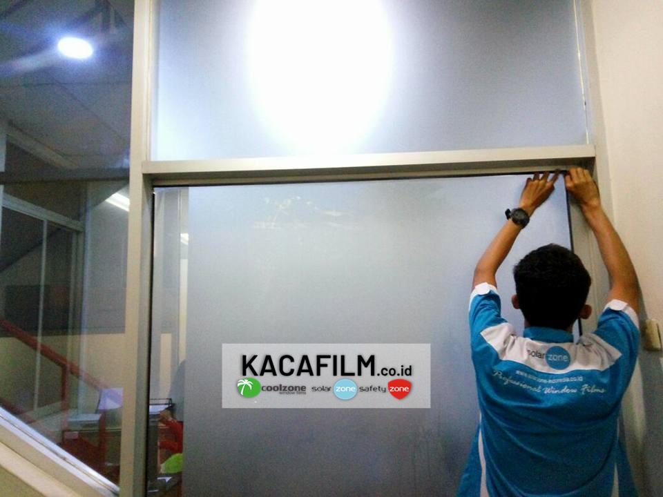 pasang kaca film kantor Koja Jakarta Utara