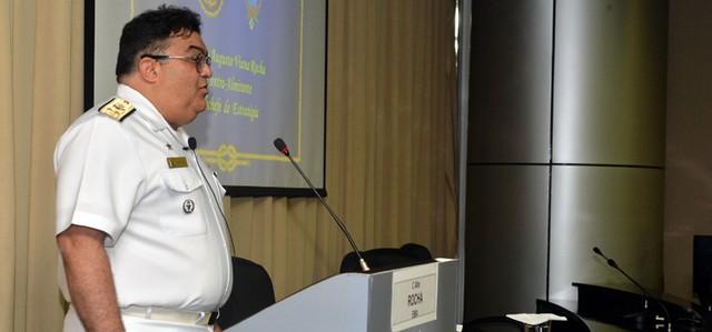 Bolsonaro escala mais um militar para governo; Almirante Rocha deve ocupar a Secretaria de Comunicação