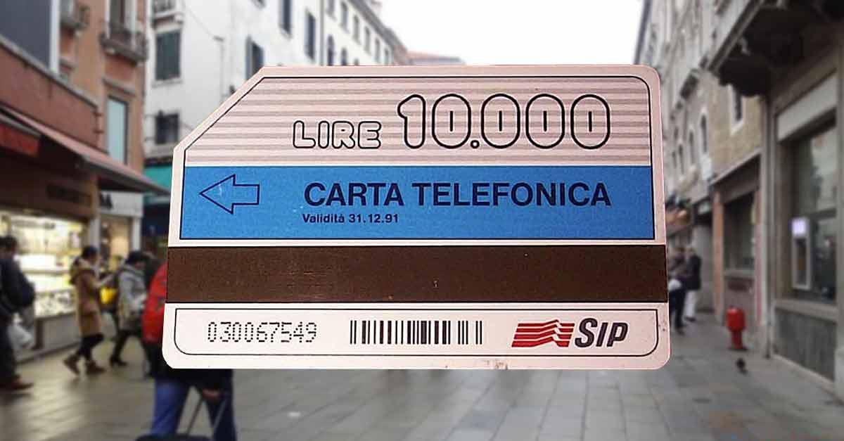 Una carta (o scheda) telefonica SIP da 10.000 lire in Campo San Bartolomeo a Venezia