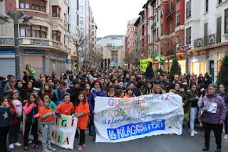 Manifestación de las comunidades educativas de Rontegi y La Milagrosa