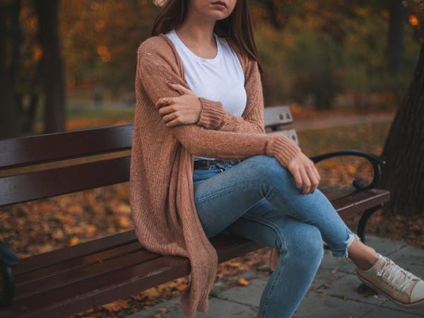 357. Stylizacja: Beżowy kardigan i jeansy