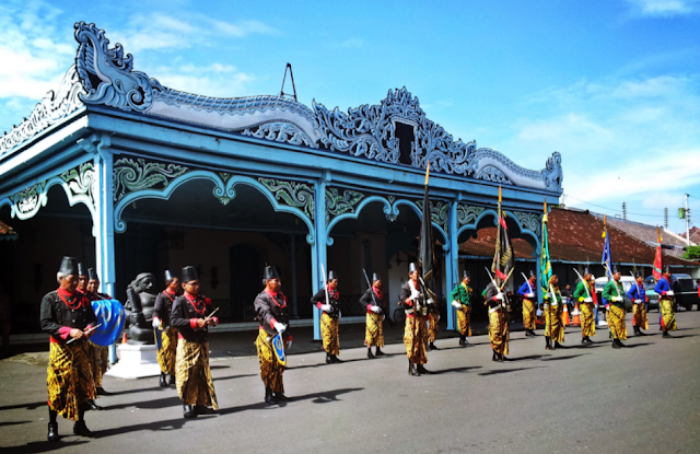 The charm of the Yogyakarta Palace that is not consumed by time
