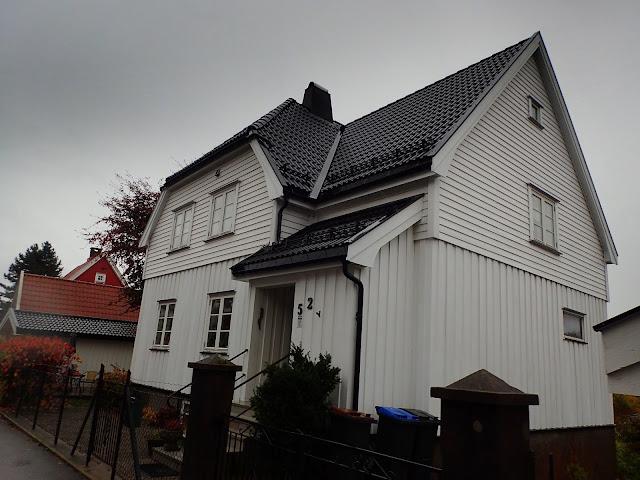 Bjerggata słynie z białych, drewnianych domów