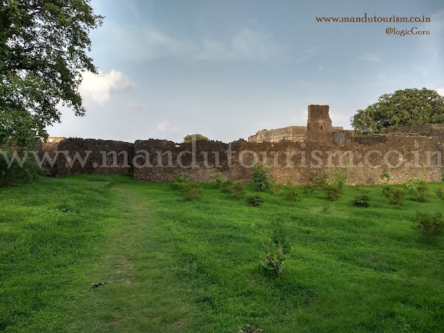 Information about Royal Palace (Shahi Mahal) Mandu