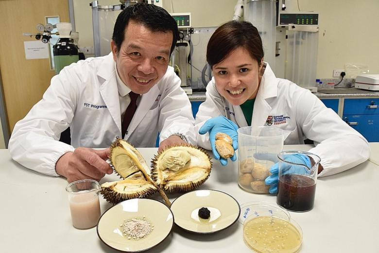 (From left) Professor William Chen, NTU director for food science and technology programme, and Dr Jaslyn Lee, an NTU research fellow.