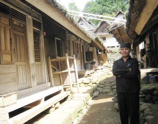 Pemandu wisata kampung Naga