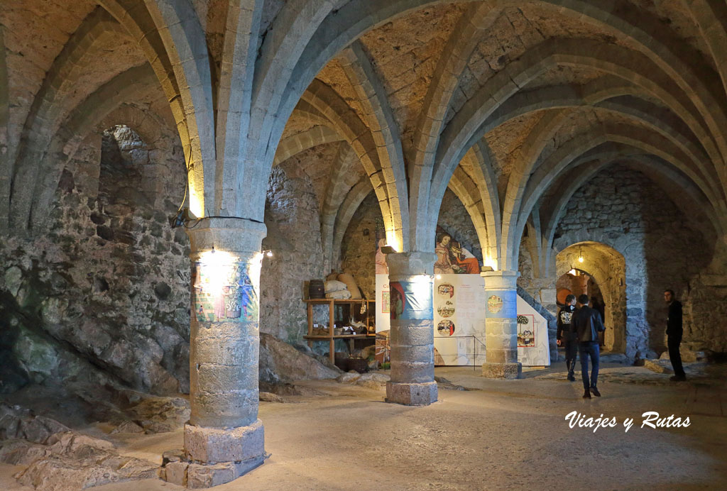 Arcos góticos del Castillo de Chillon, Suiza