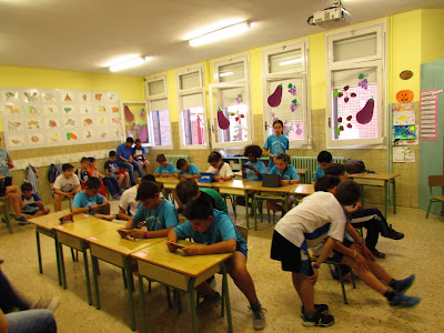 Brawl start Colegio Maria Auxiliadora. Zaragoza