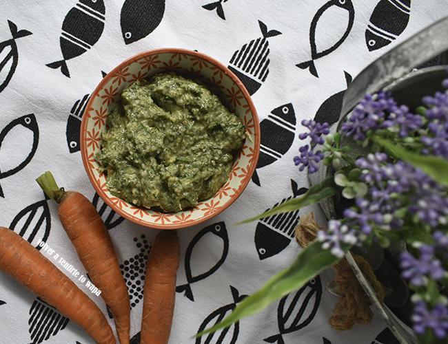 Pesto de hojas de zanahorias