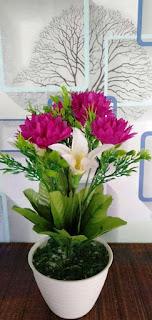 aneka ragam bentuk bunga plastik
