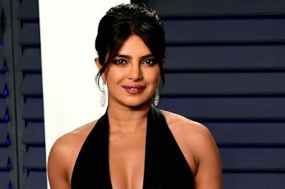 বিয়ের পর থেকে মাঝরাতে কেন বারবার উঠে পড়েন প্রিয়াঙ্কা চোপড়া ? Why did Priyanka Chopra get up again and again after midnight?