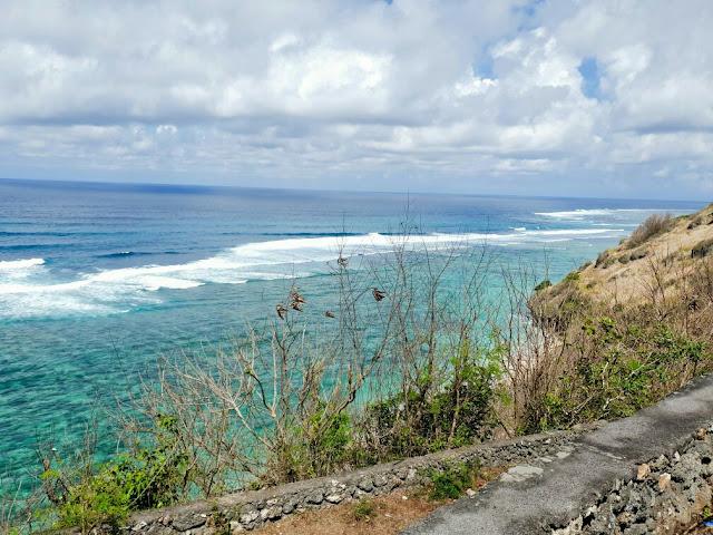 16 Pantai terbaik di Nusa Penida yang wajib Untuk Dikunjungi, pantai puyung