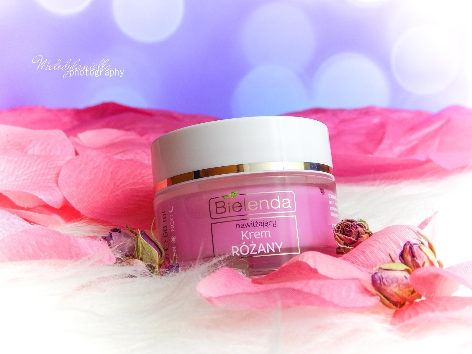 7 Bielenda rose care różany krem do twarzy recenzja kojąca woda różana 3w1 olejek różany do mycia twarzy produkty bielenda seria różana melodylaniella test produktów kosmetycznych ciekawe blogi lifestyle