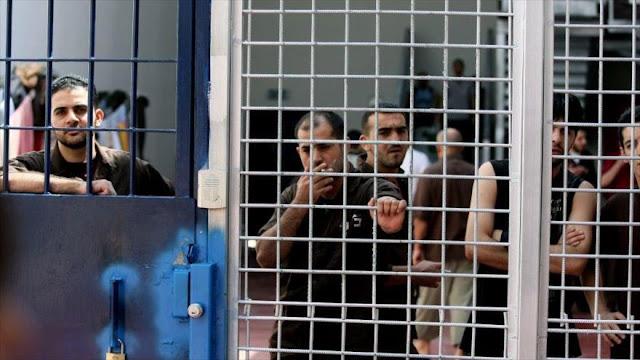 Más de 300 presos palestinos en cárceles israelíes se declaran en huelga de hambre