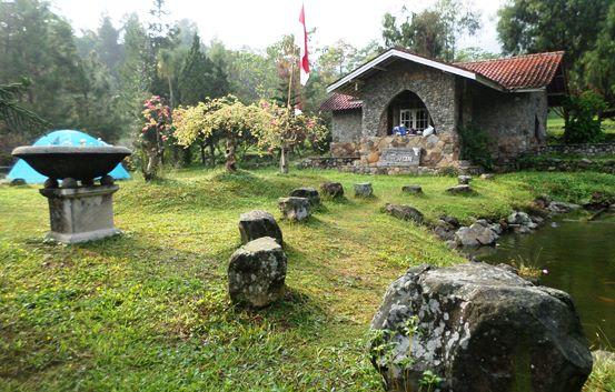 villa di curug nangka