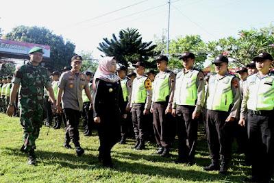 http://www.topfm951.net/2019/06/gelar-pasukan-upaya-menjamin-pilkades.html#more