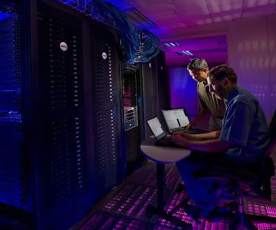 perbedaan colocation server dan dedicated server serta keunggulannya