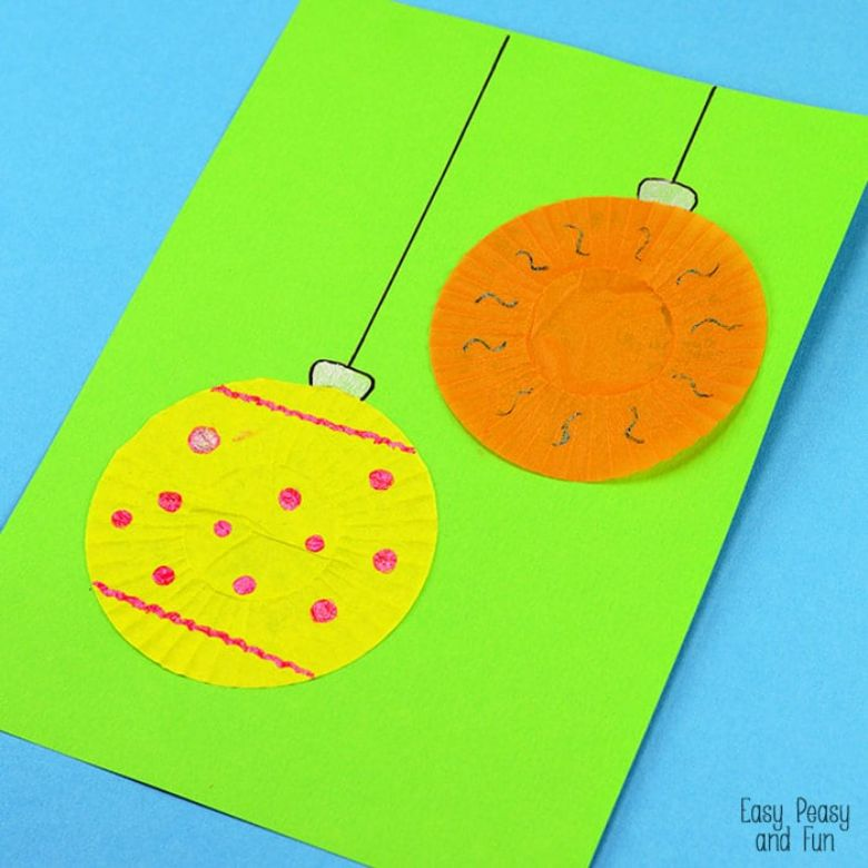 Cupcake liner ornament Christmas craft for toddlers and preschoolers