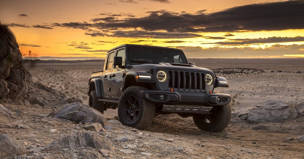 """سيارة """"جيب جلاديتور موجاف"""" وقوة الأداء في الصحراء"""