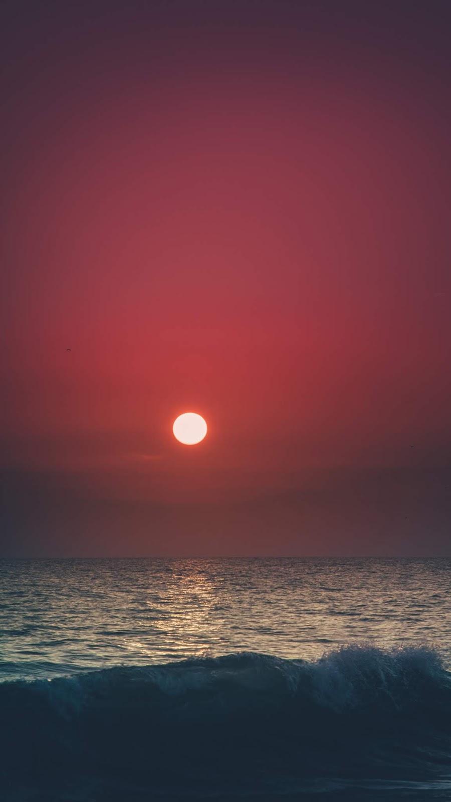 Beach in the sunset wallpaper