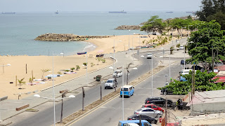 Its the biggest road in Ilha do Luanda
