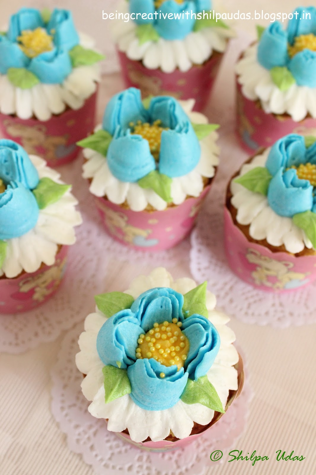 Beauteous cupcakes being creative with shilpa udas with a beautiful home we had some relatives visiting us and when anyone visits my home they are already happy since they know that i would be treating izmirmasajfo