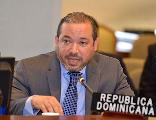 Presidente Luis Abinader designa a Edward Aníbal Pérez Reyes como Embajador, Representante Permanente de la República Dominicana ante la Autoridad Internacional de los Fondos Marinos