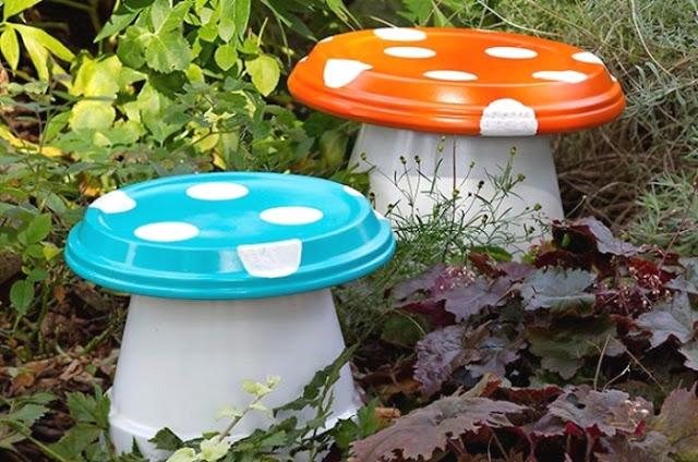 Διακοσμήστε τον κήπο σας με όμορφα, χρωματιστά μανιτάρια
