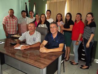 Prefeito Manassés Dantas se reúne com secretários