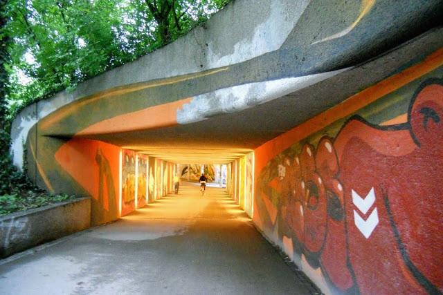 2 days in Munich in Spring: bike underpass with street art