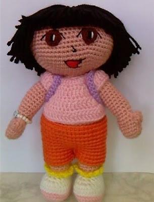 Вязаная кукла Даша путешественница крючком